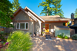 960 Seaview Place